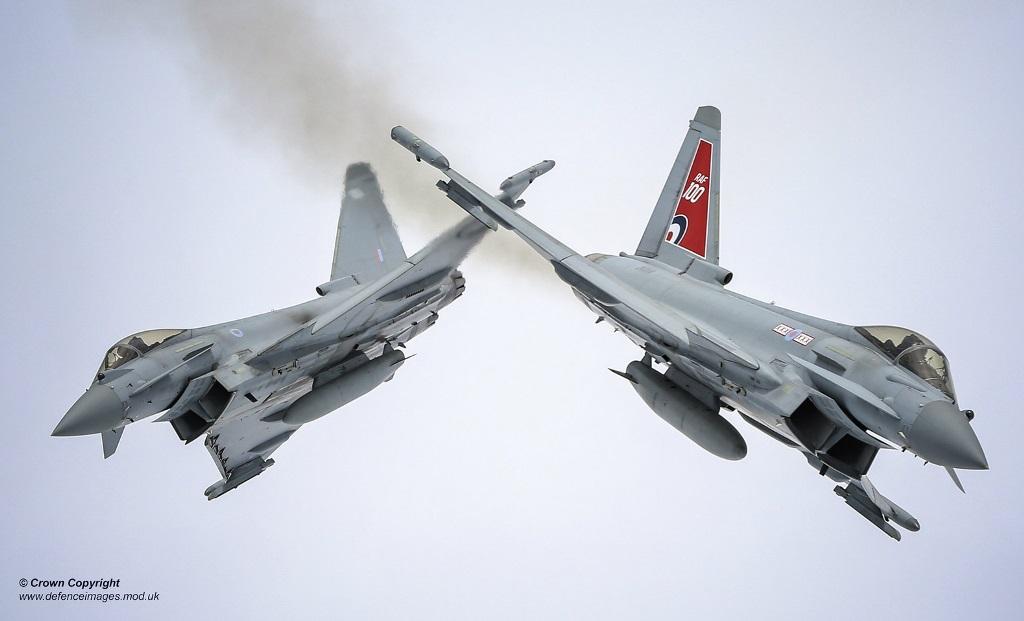 Британские истребители оснастят энергетическим оружием
