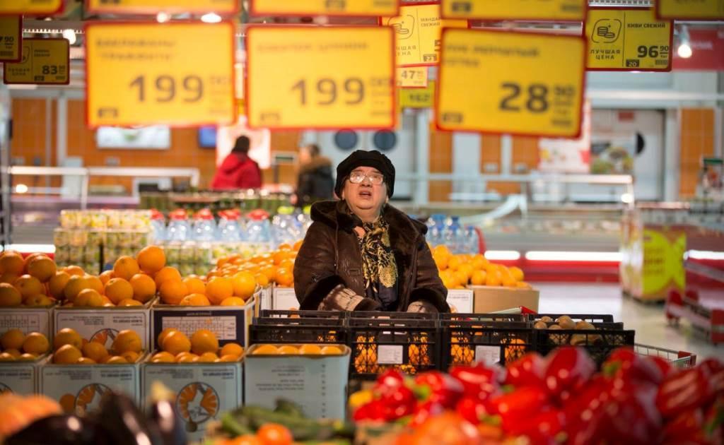 Санкции против госдолга могут ослабить рубль на 15%