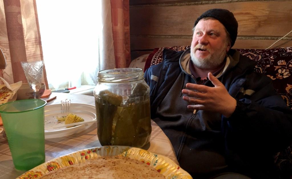 Михаил Шляпников объявил войну баками и правительству