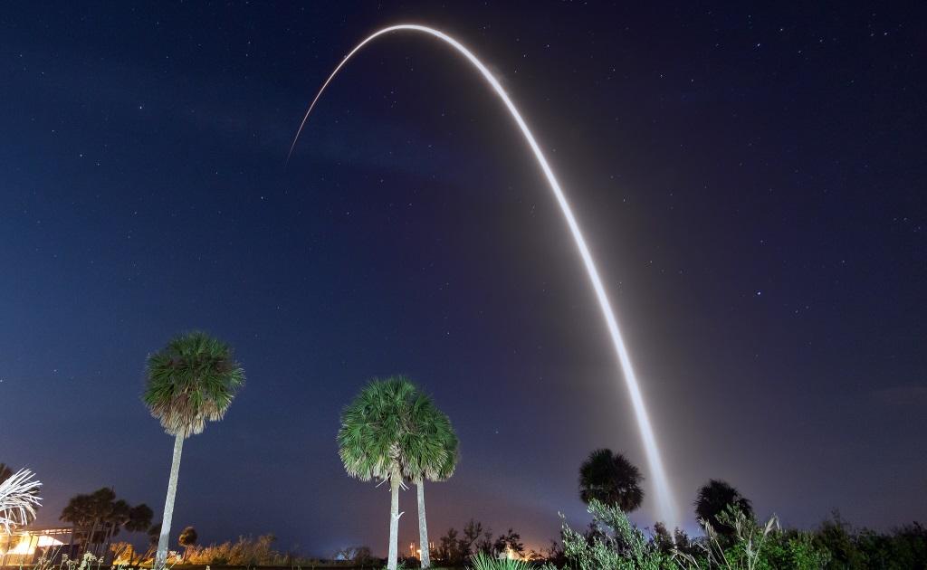 SpaceX произвели перезапуск своей новейшей ракеты