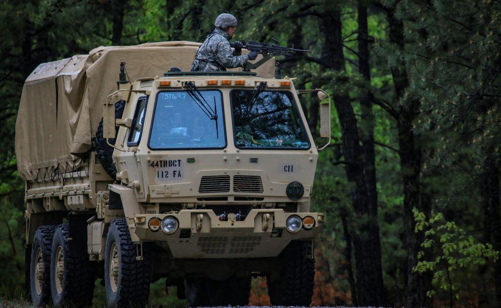 Армия США заказала бронегрузовик с лазерной пушкой