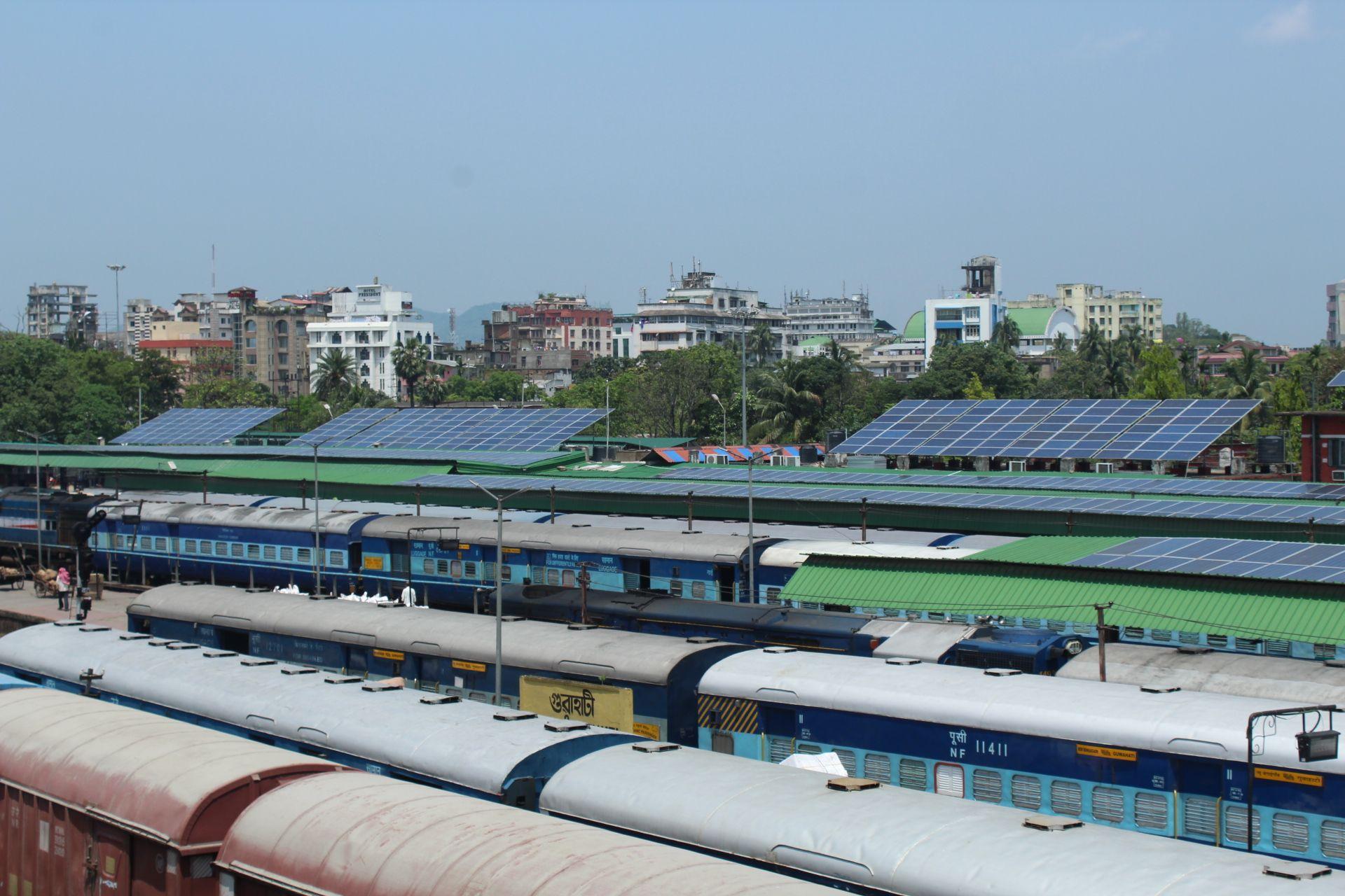 Индия переводит ж/д на солнечную энергию