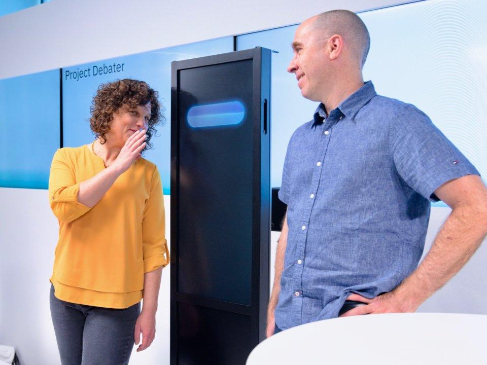 Суперкомпьютер от IBM, который может шутить и спорить