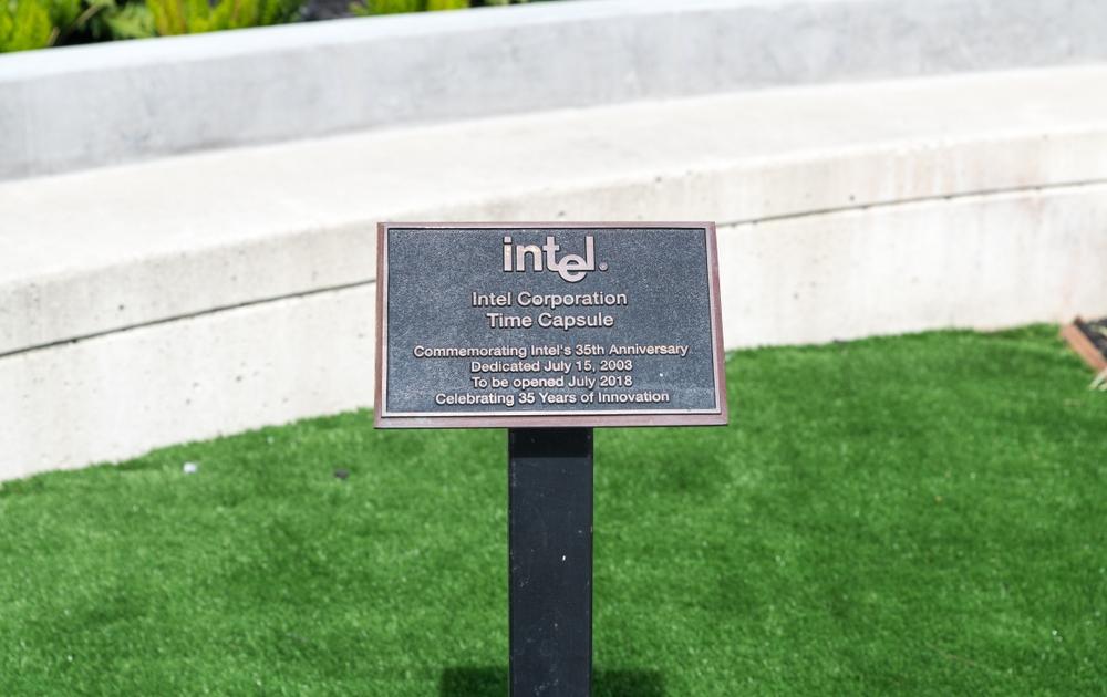 Intel поделились 10 достижениями за последние 50 лет
