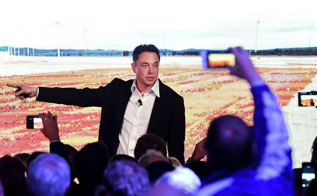 Илон Маск призывает человечество в космос