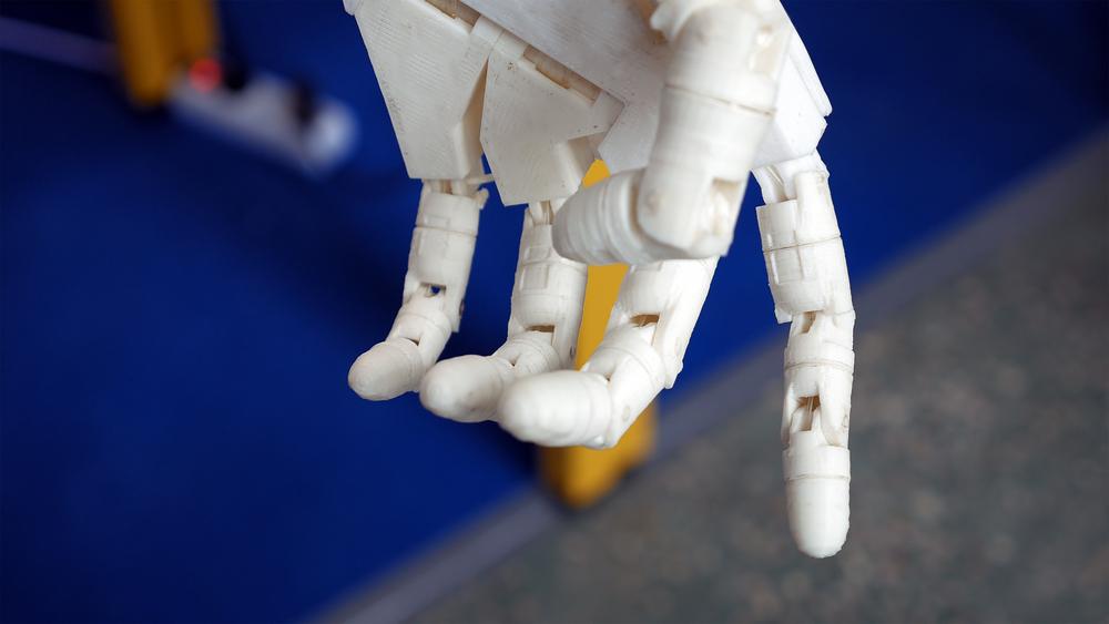 Создан протез, управляемый мозгом