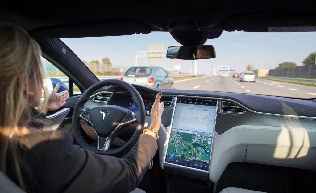 Новый рекорд электромобиля: 1000 км без подзарядки