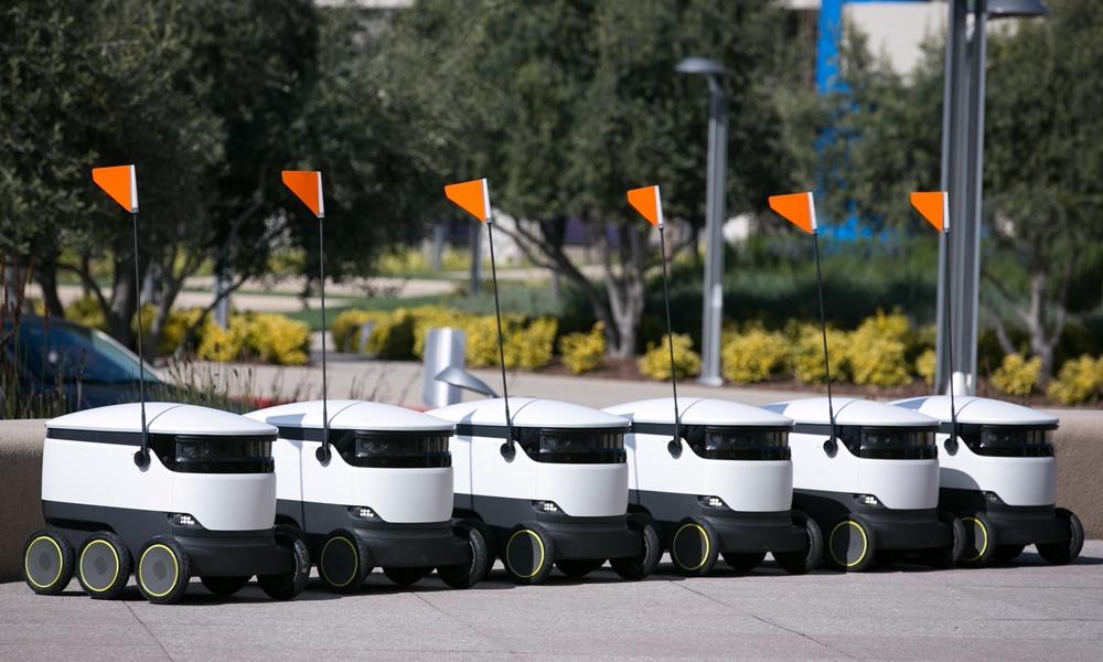 Роботы по доставке еды в США