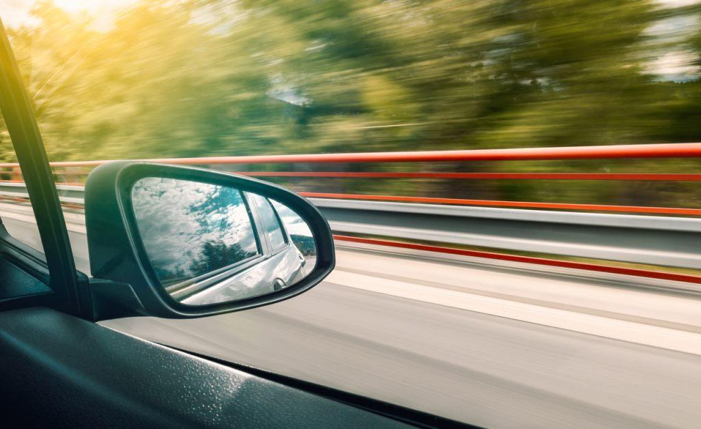 Беспилотный автомобиль может ориентироваться и на грунтовых дорогах
