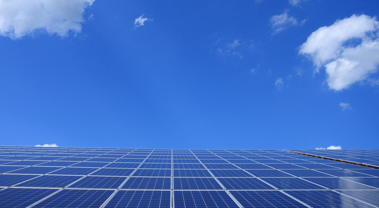 Японцы изобрели солнечные батареи для одежды