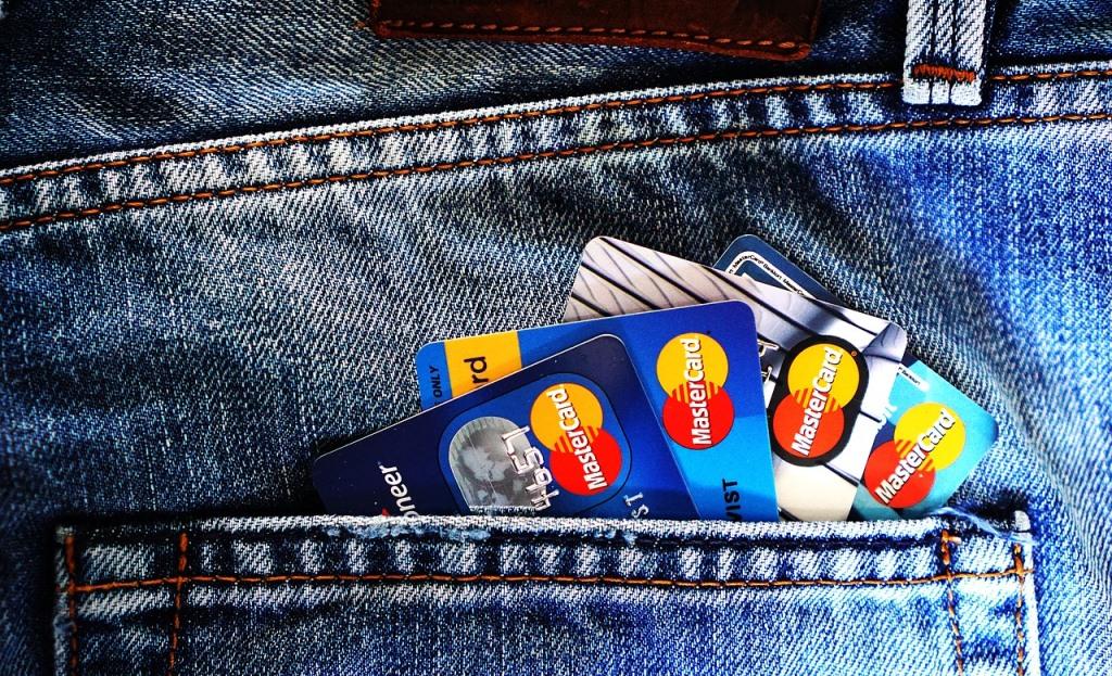 Пользователи банковских карт активно покупают криптовалюту