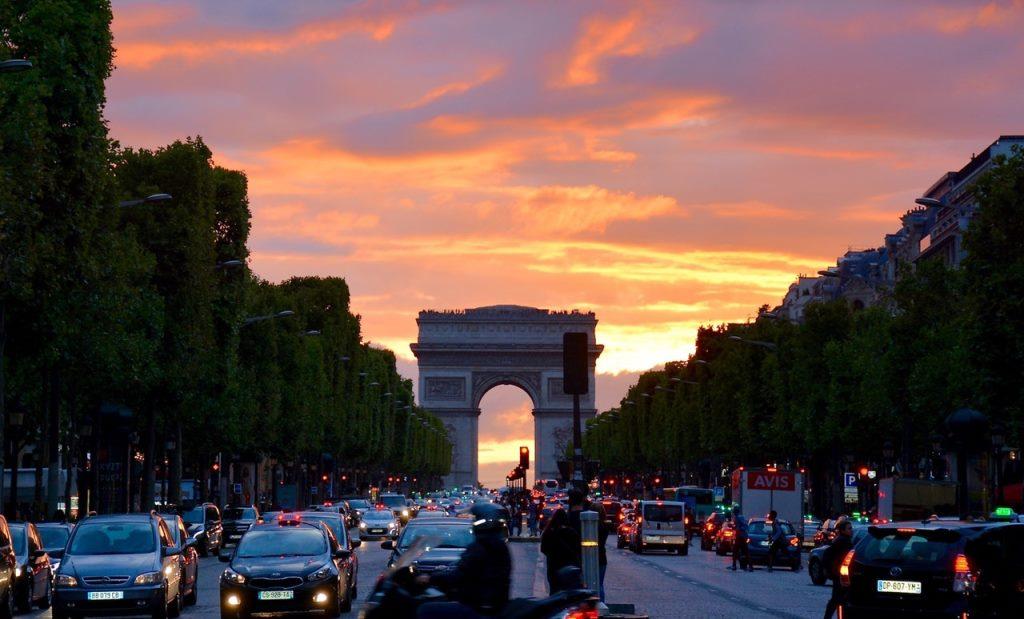 Франция снизила налоги